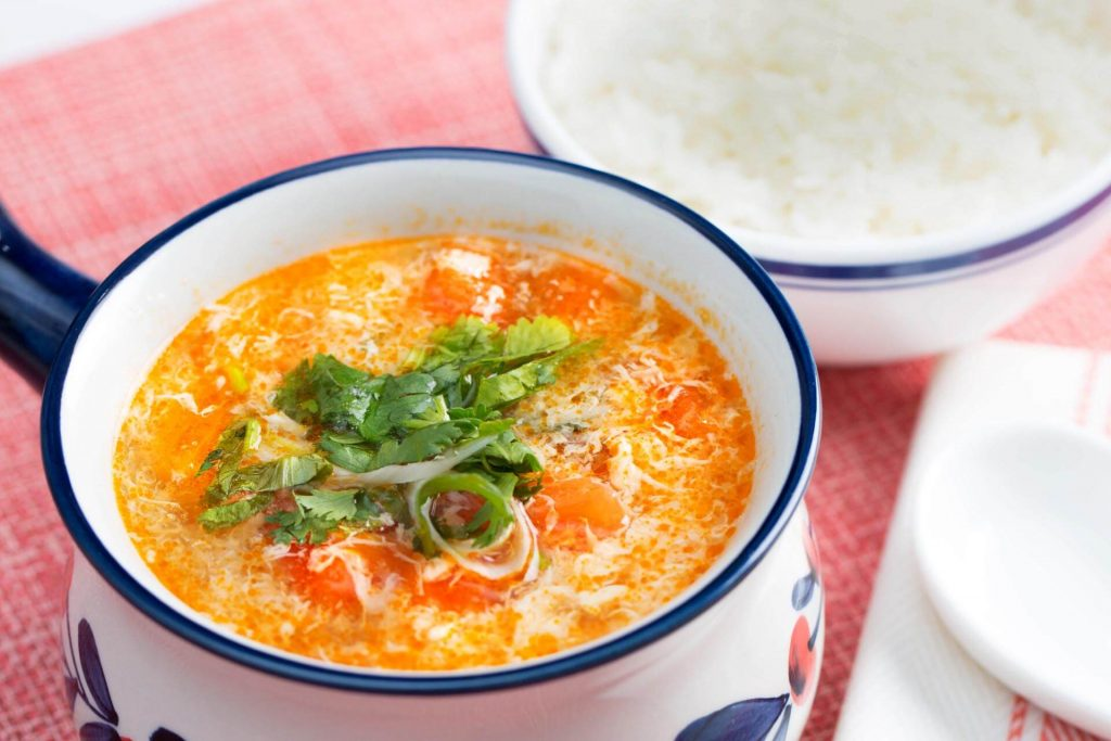 Tomato Soup With Eggs