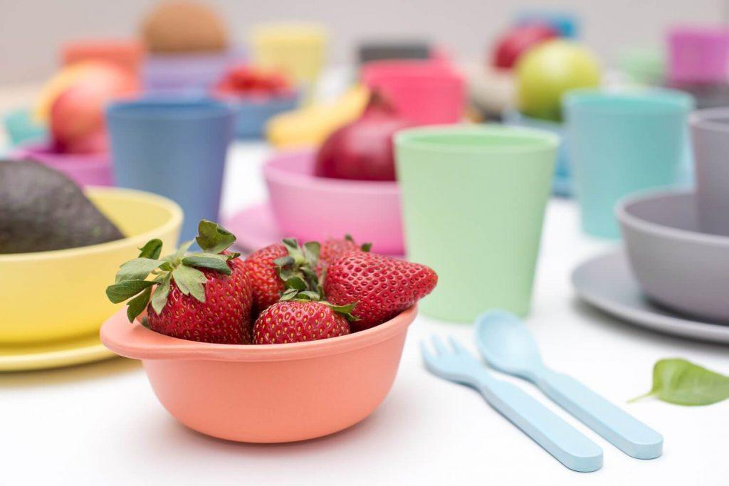 Colorful Plastic Bowls/Plates