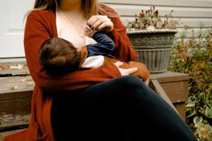 How to Manage Breastfeeding When You Are a Working Mom